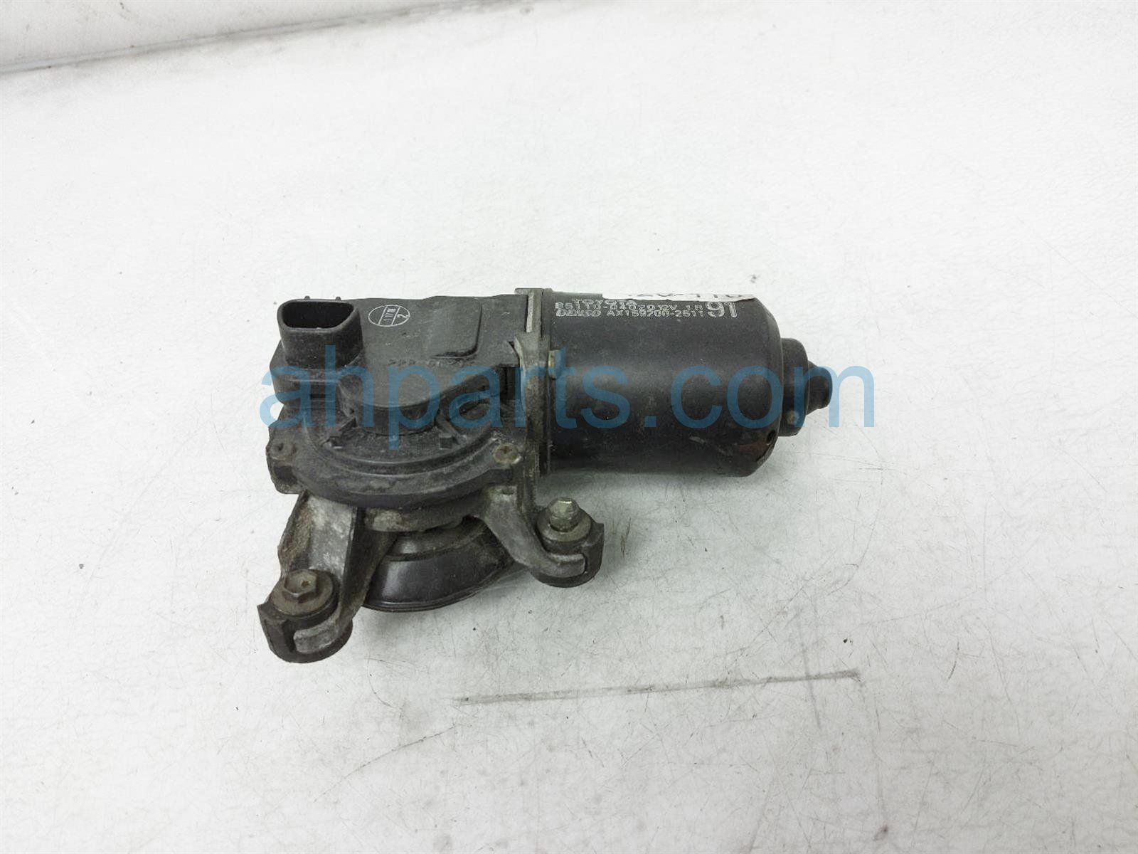 2000 Toyota Tacoma Front Arms Windshield Wiper Motor Only 85110 04010 Replacement