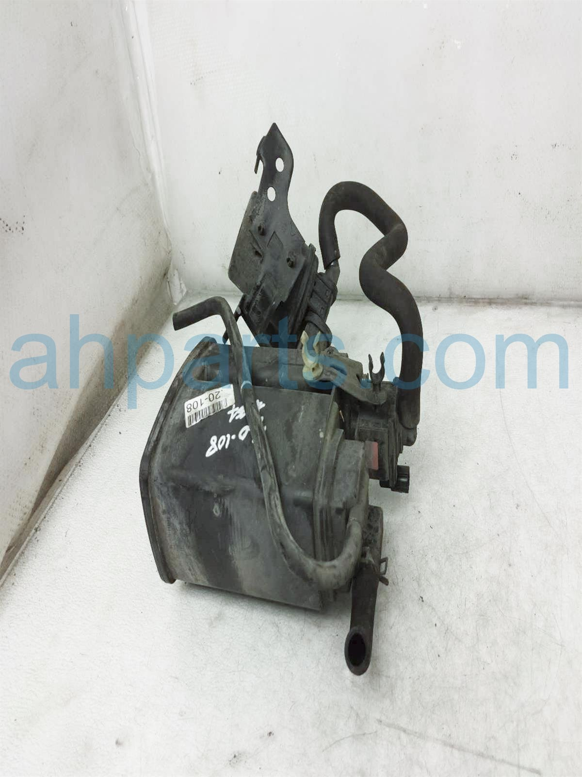 2003 Honda Insight Fuel Evap Canister 17011 S3Y A00 Replacement