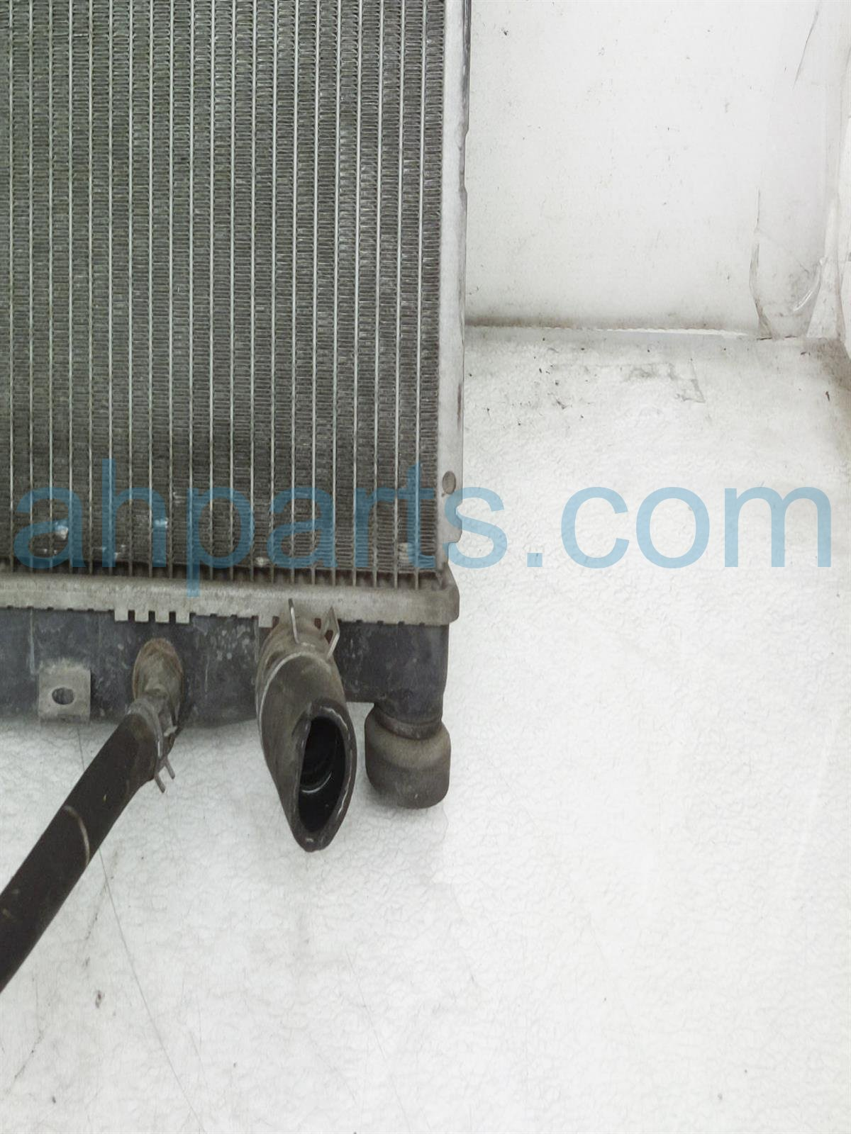 2003 Honda Insight Radiator Assembly 19010 PHM 901 Replacement