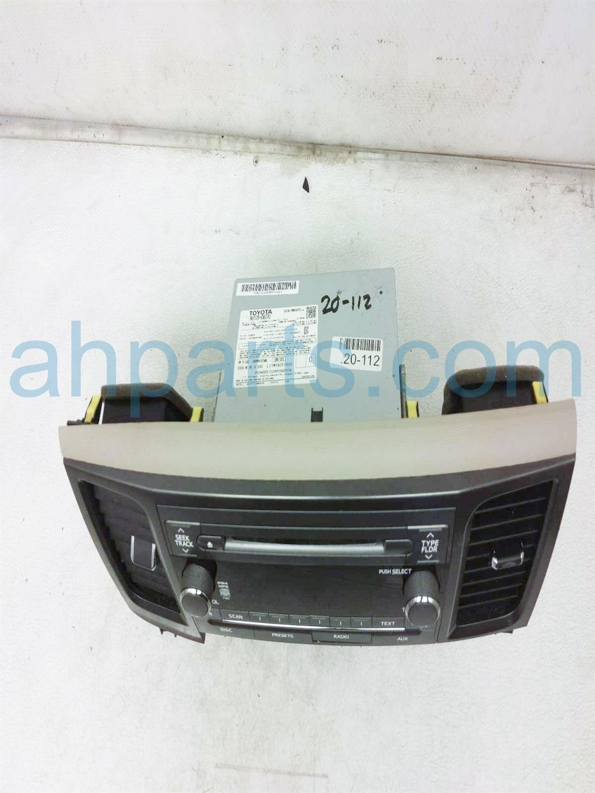 2013 Toyota Sienna Am/fm/6 Disc Cd & Radio Unit Assy 86120 08270 Replacement