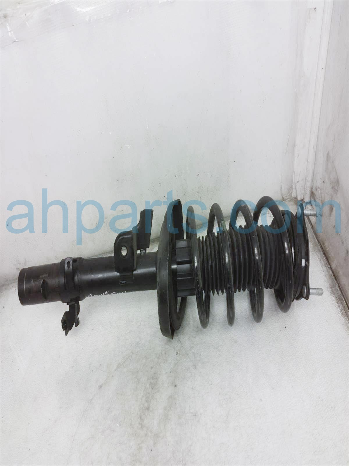 Sold 2019 Honda Passport Front Driver Strut Shock + Spring 51621 TGS A01 Replacement