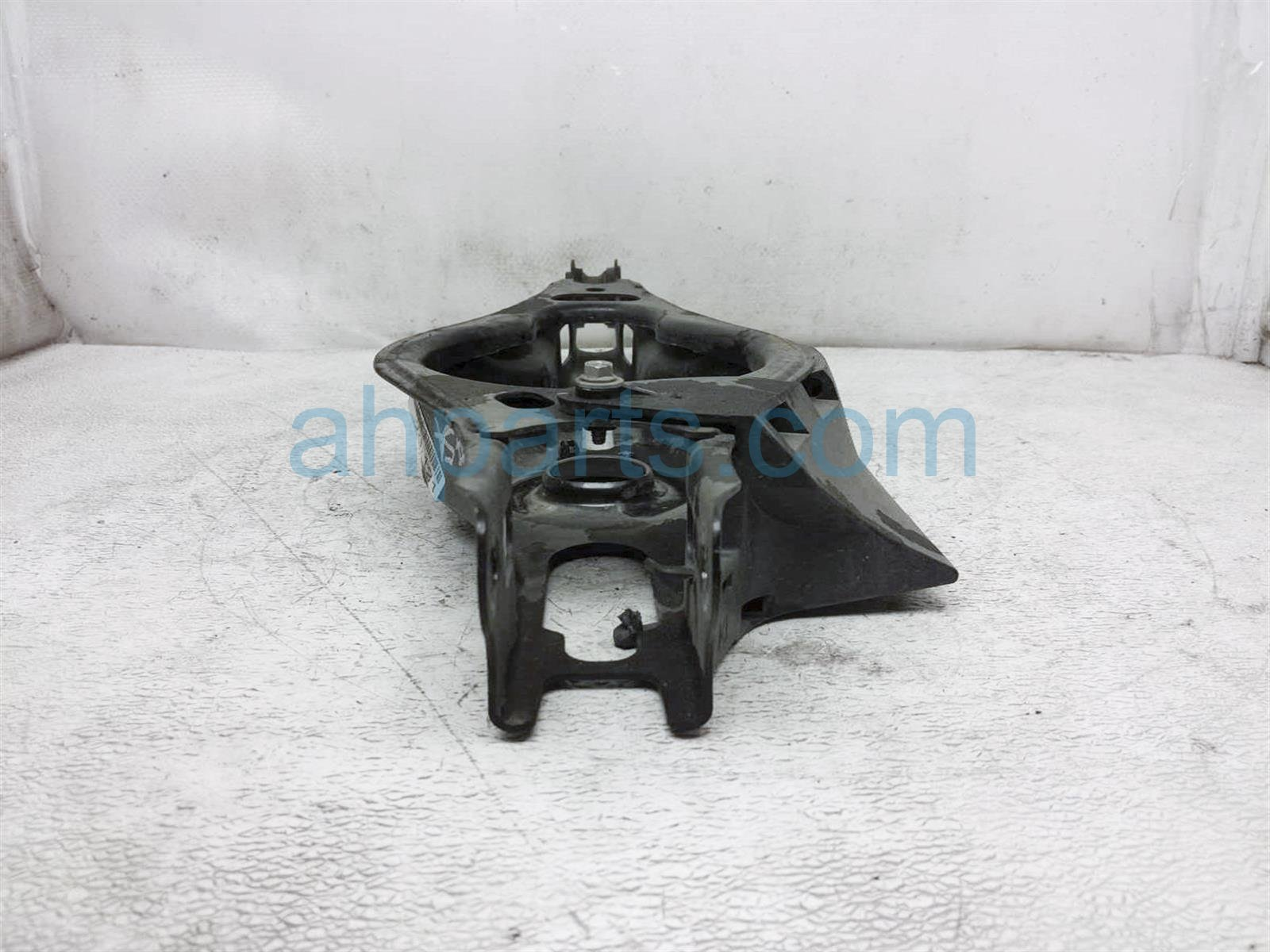 2019 Toyota Rav 4 Lower Rear Driver Spring Seat Control Arm 48730 0R050 Replacement