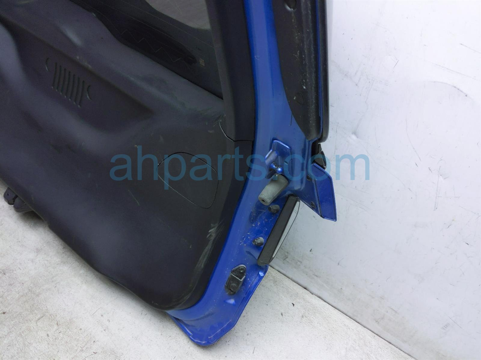2018 Jeep Compass Deck Trunk Lid Lift Gate / Tail Gate   Blue 68242348AA Replacement