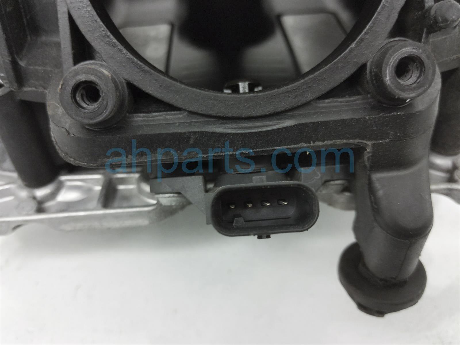 2014 BMW 328i Intake Manifold 11 61 7 588 126 Replacement