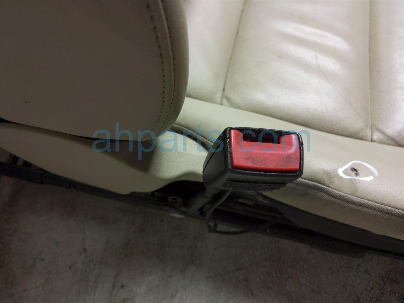 2011 Audi A6 Audi Front Driver Seat   Tan   W/ Airbag 8E0881157K Replacement