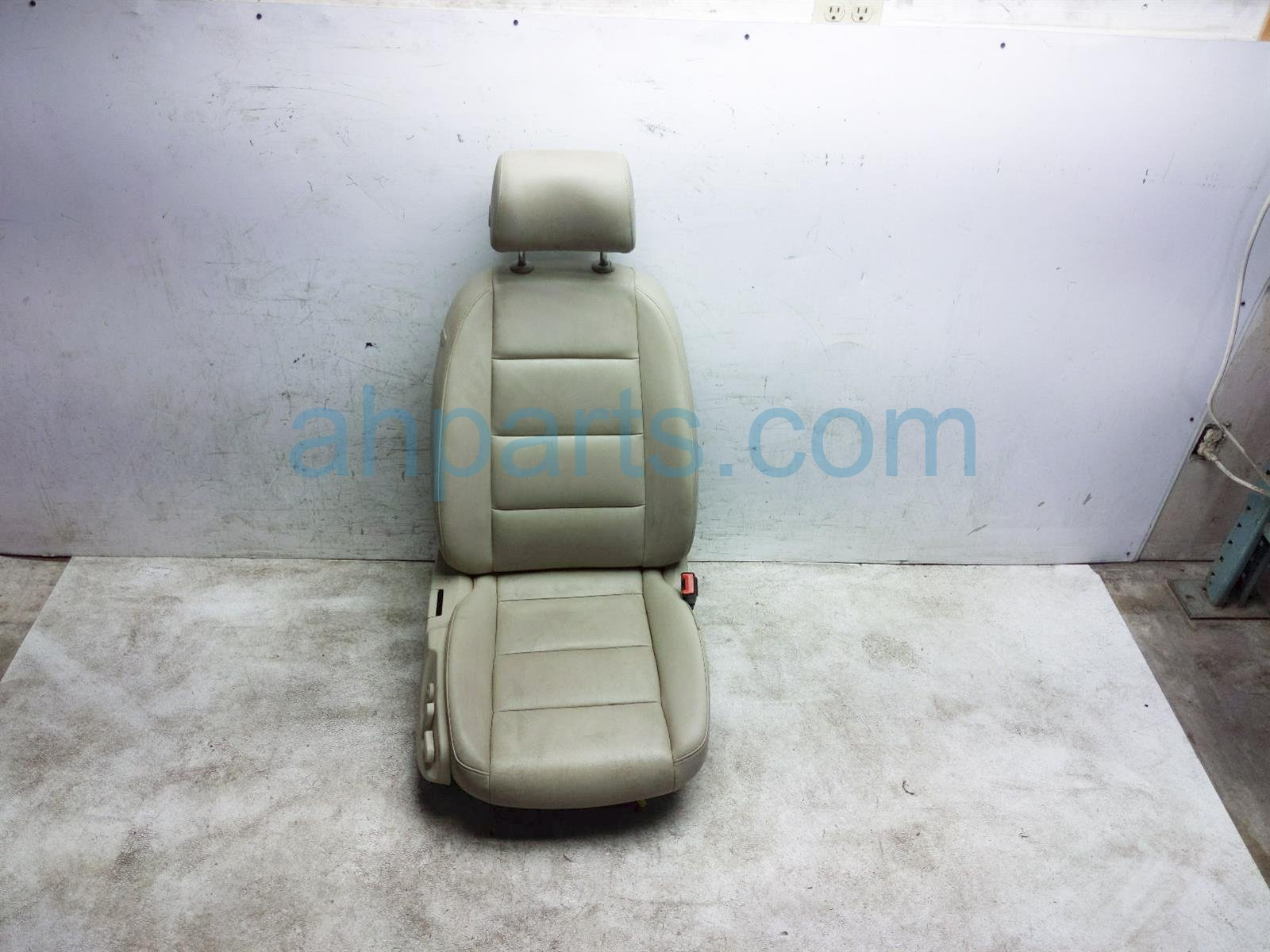 2011 Audi A6 Audi Front Passenger Seat   Tan   W/ Airbag 4F0 881 406 AS VTS Replacement