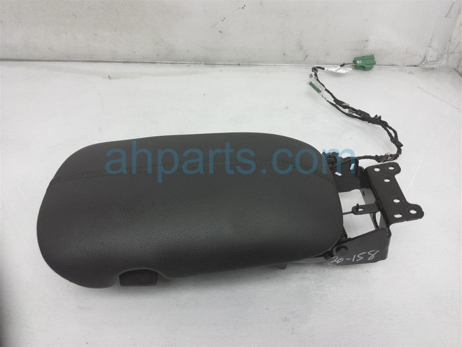 2017 Ford Mustang Arm Rest Center Console Lid   Black FR3Z 6306024 CE Replacement