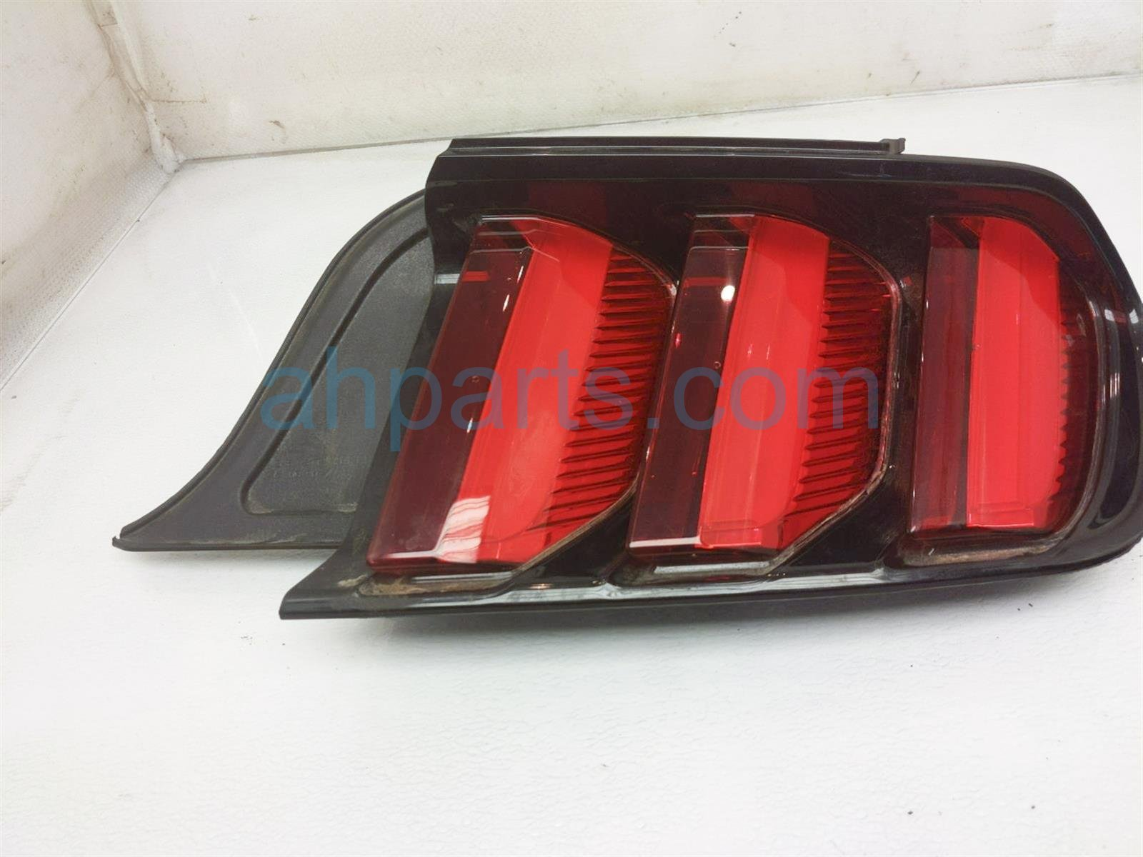 2017 Ford Mustang Rear Passenger Tail Lamp / Light (on Body) GR3Z 13404 C Replacement