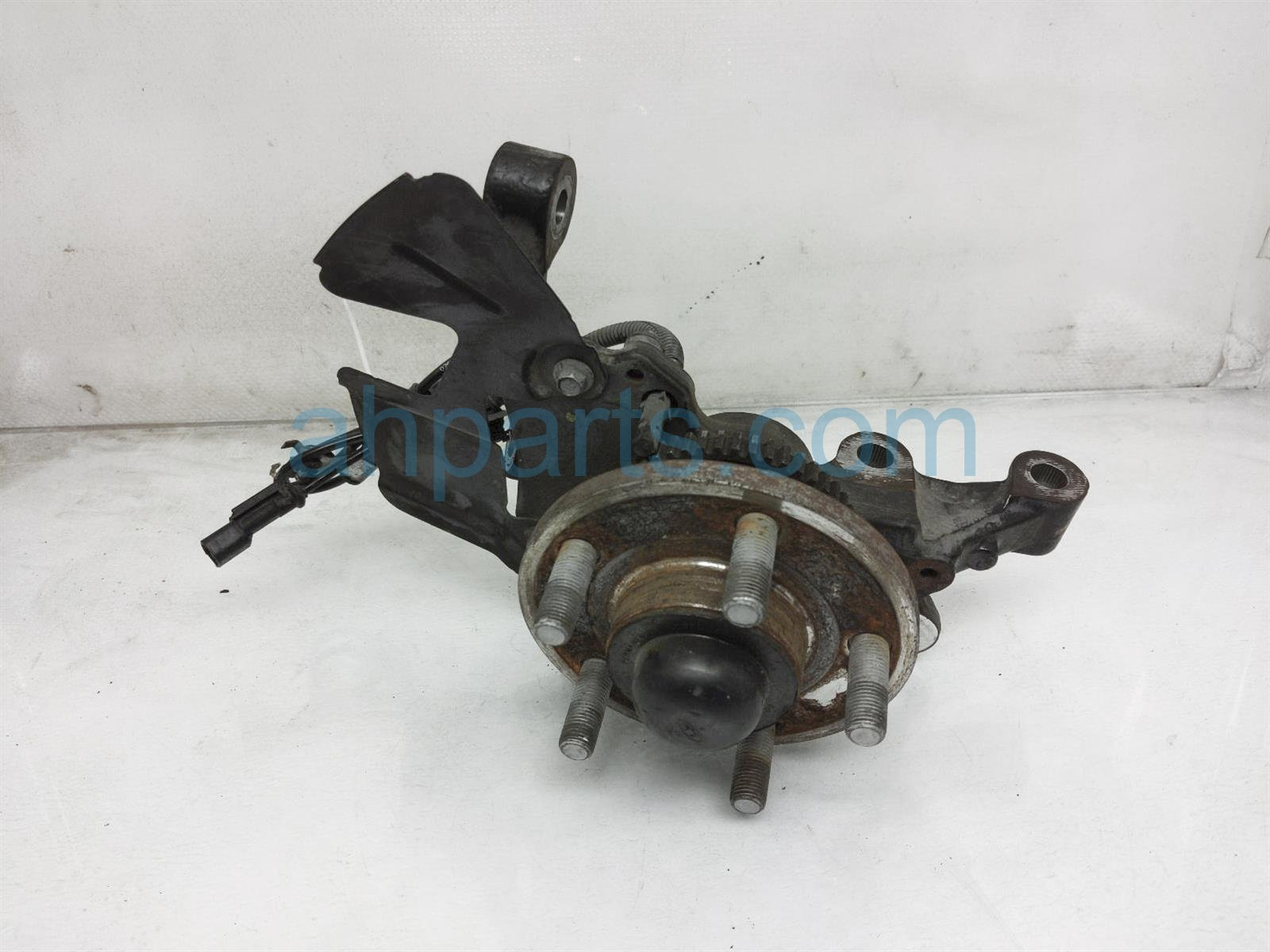 2017 Ford Mustang Front Driver Spindle Knuckle Hub FR3Z 3106 A Replacement