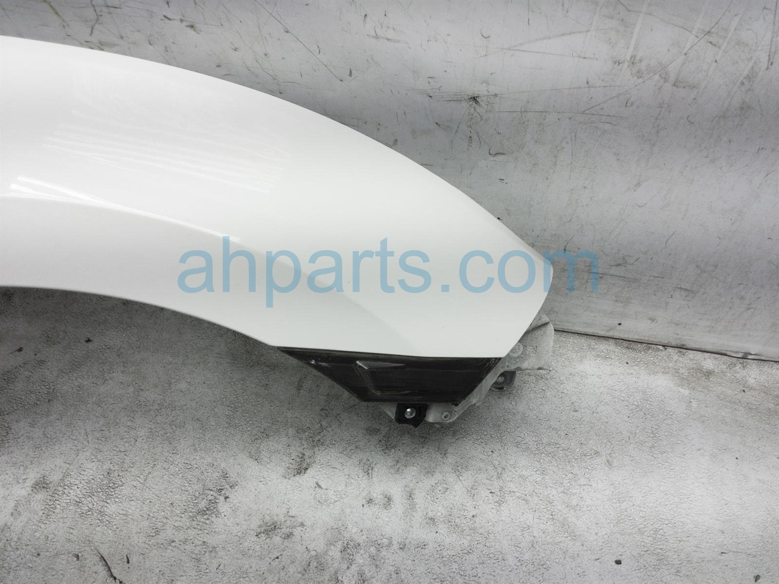 Sold 2018 Honda Civic Front Passenger Fender White 60210 TGH A00ZZ Replacement