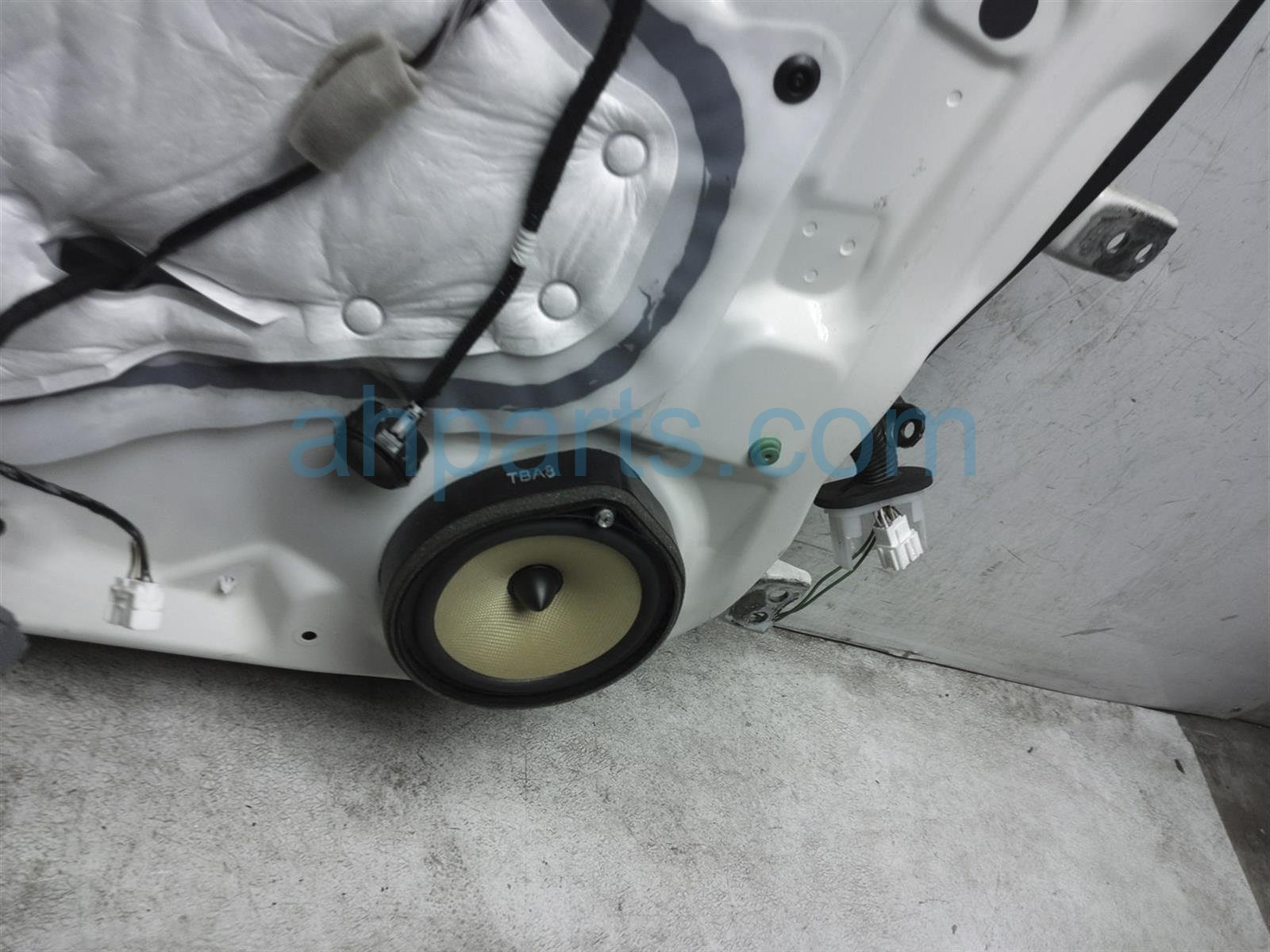 2018 Honda Civic Front Driver Door No Mirror Or Trim White 67050 TGG A00ZZ Replacement