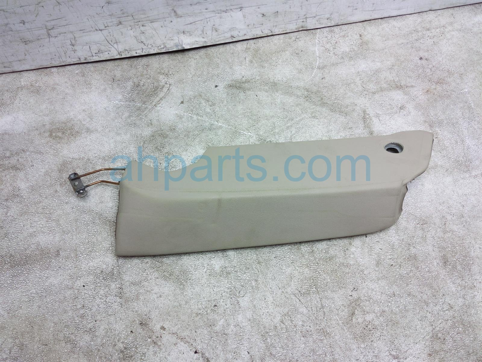 2011 Audi A6 Audi Back (2nd Row) Rear Driver Seat Shoulder Cushion   Tan F0 885 703 C N18 Replacement