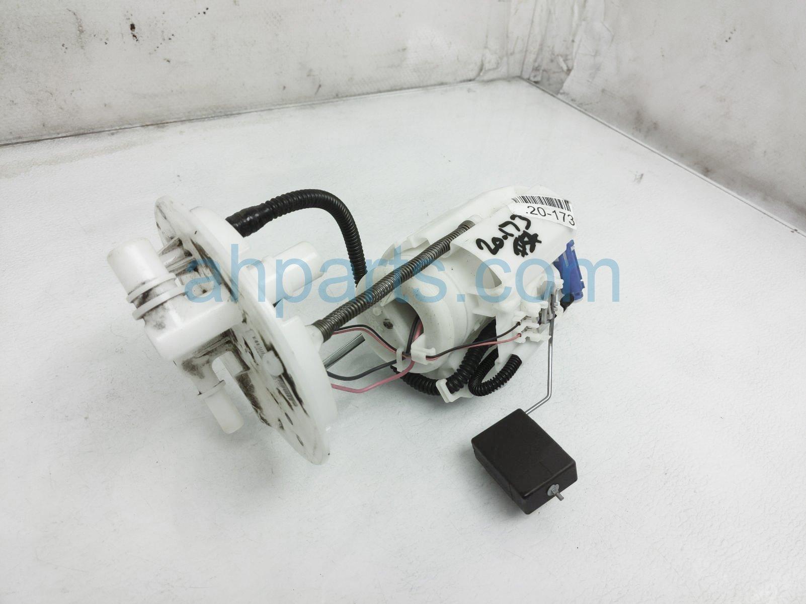2018 Honda Civic Gas / Fuel Pump 17045 TGH A01 Replacement