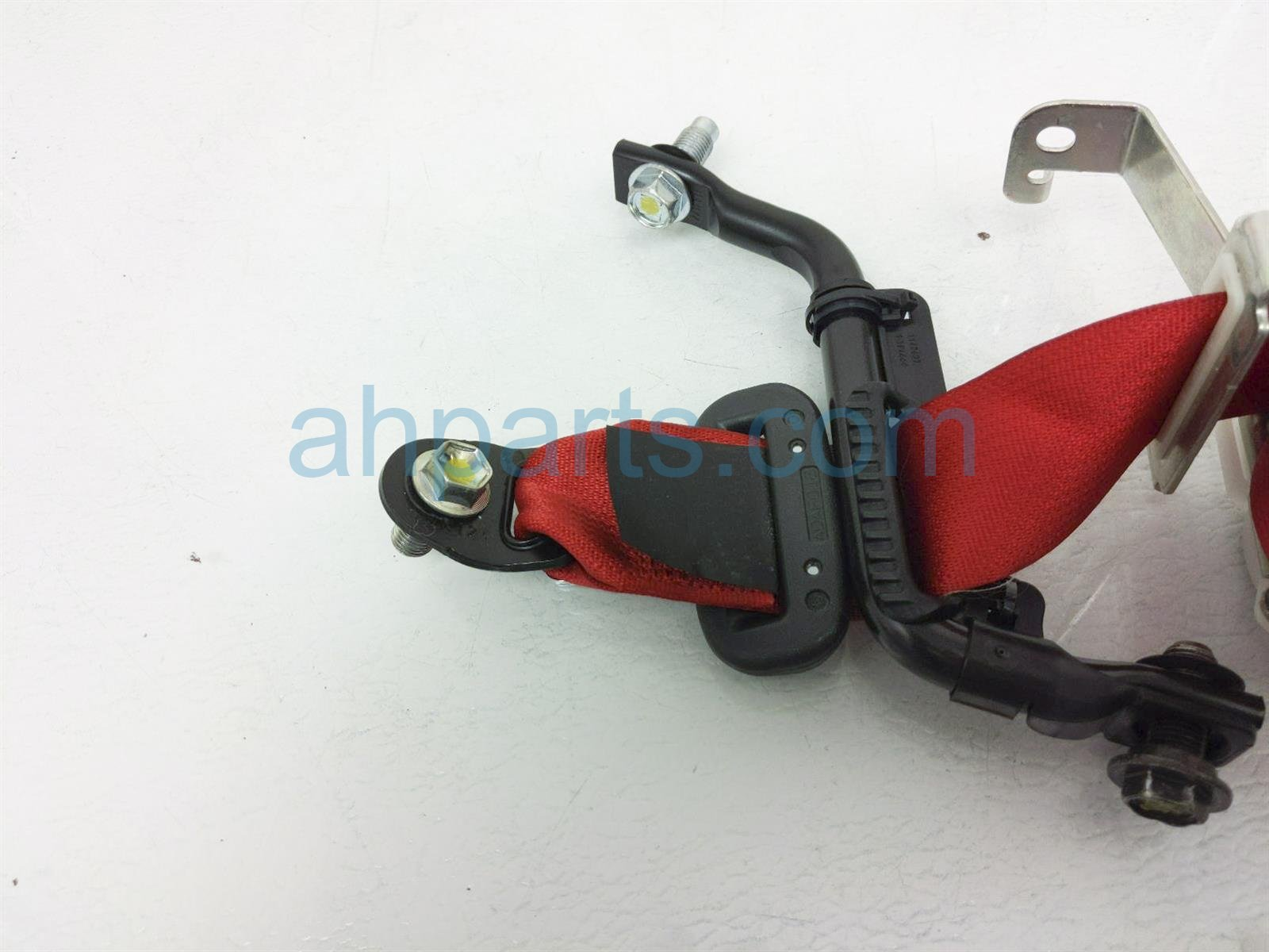 2018 Honda Civic Rear Driver Seat Belt Type R Red 04828 TGH A00ZA Replacement