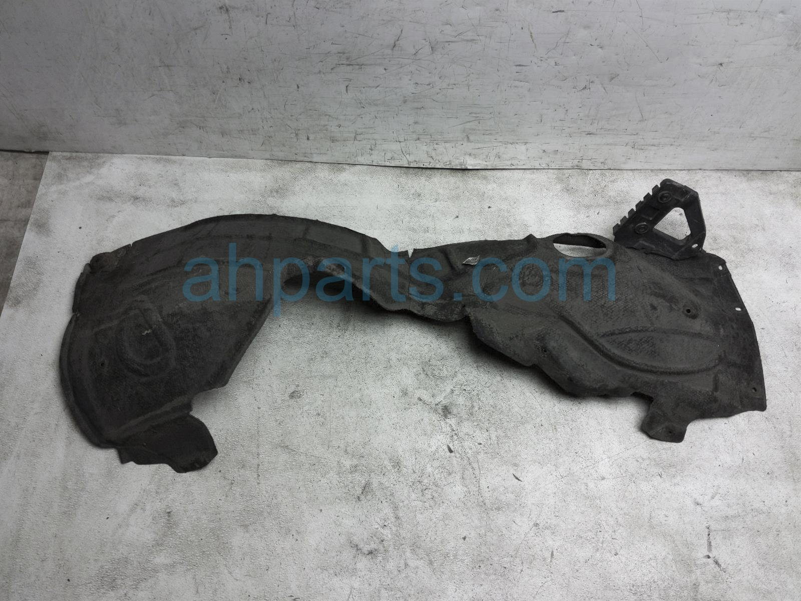 2011 Audi A6 Audi Front Driver Inner Fender Liner 4F0 821 133 P Replacement