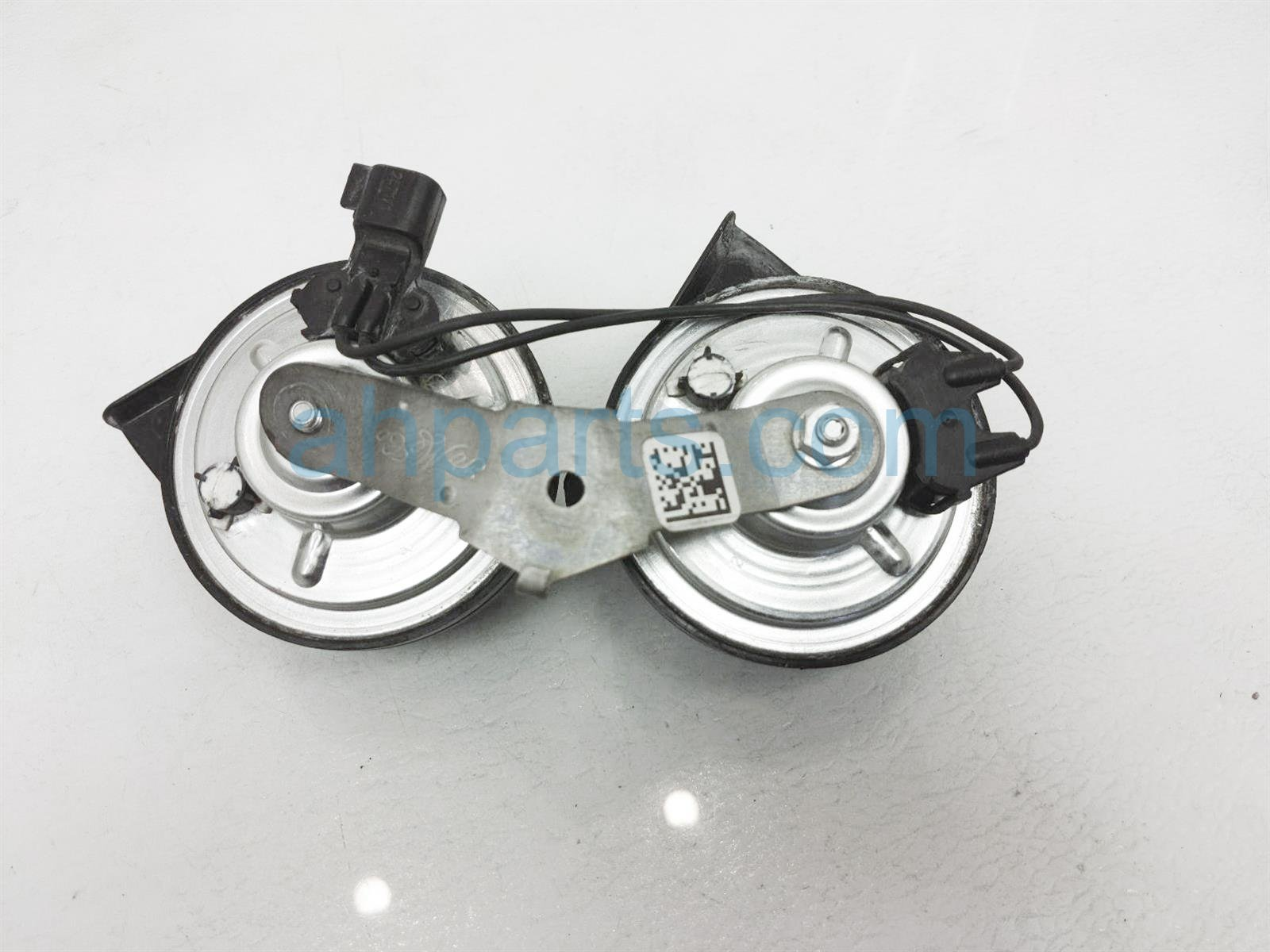 2017 Ford Mustang Horn Assy FR3Z 13832 G Replacement