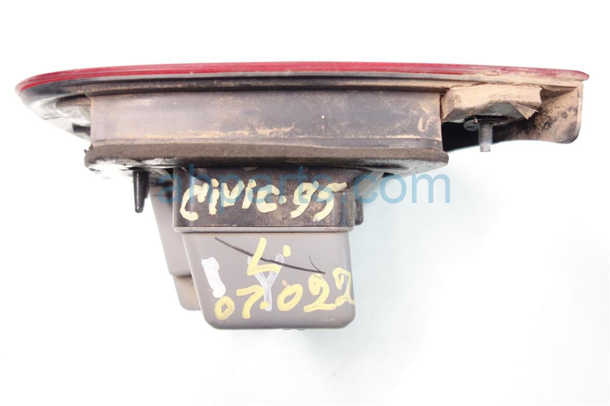 1995 Honda Civic Rear Lamp Driver TAIL LIGHT MOUNTS ON THE TRUNK 34155 SR8 A02 34155SR8A02 Replacement