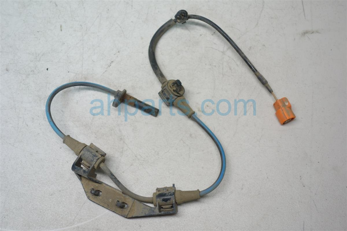 2004 Honda Element Rear driver ABS SENSOR 57475 SCV A01 57475SCVA01 Replacement