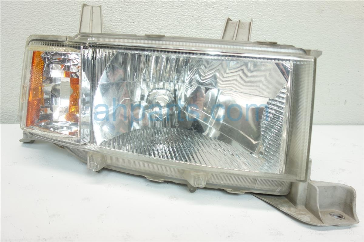 2005 Scion Xb Scion Lamp Passenger HEADLIGHT 81130 52440 8113052440 Replacement