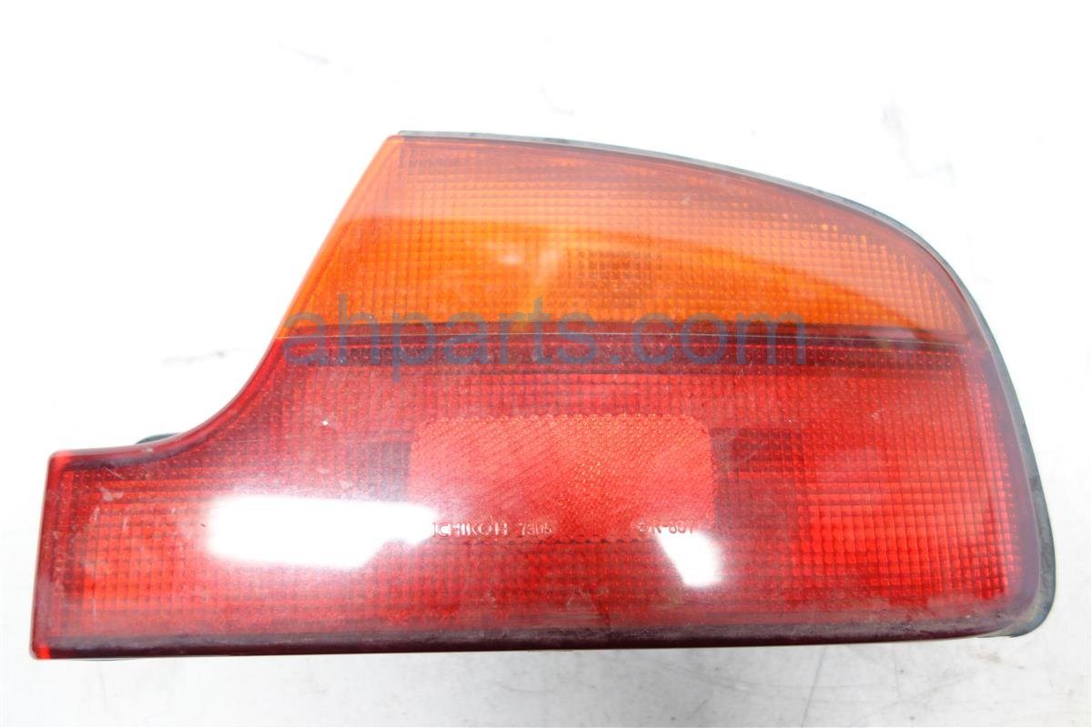 1991 Infiniti Q45 Light Rear Passenger TAIL LAMP Mounts on quarter B655060U00 Replacement