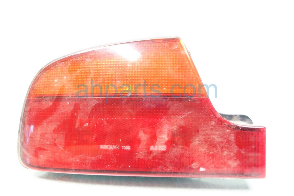 1991 Infiniti Q45 Light Rear Driver TAIL LAMP Mounts on quarter B655560U00 Replacement