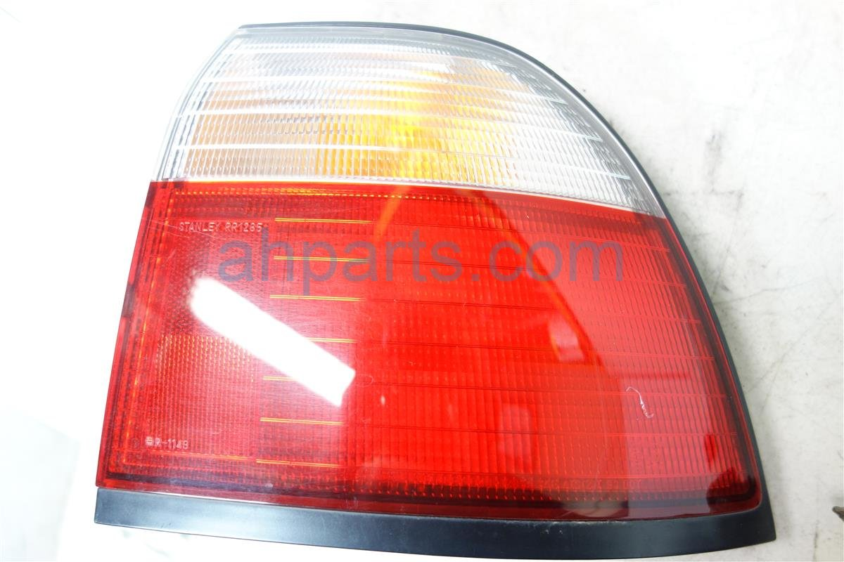1996 Honda Accord Light Rear 4DR Passenger TAIL LAMP ON QTR 33501 SV4 A03 33501SV4A03 Replacement