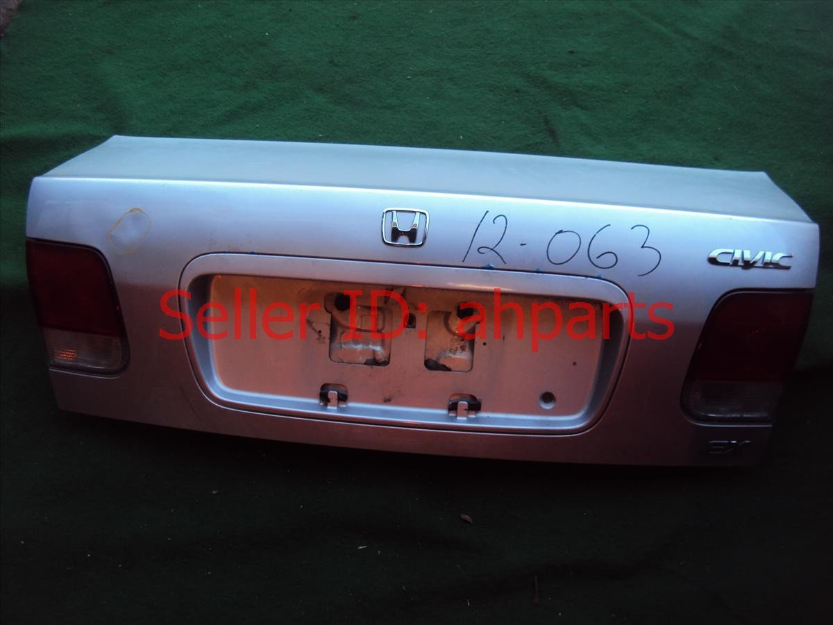 1996 Honda Civic Trunk DECK LID silver some paint scratches Replacement
