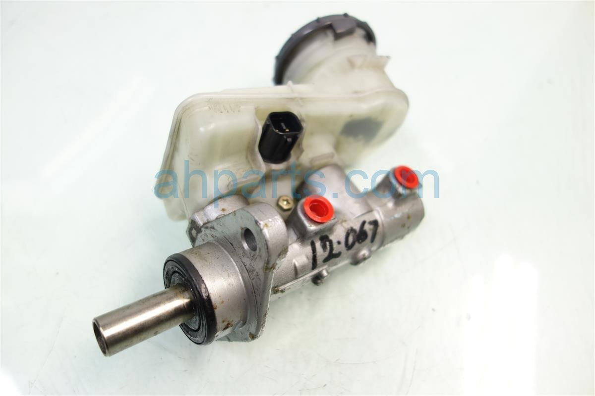 2004 Honda Civic Cylinder BRAKE MASTER CYL Replacement