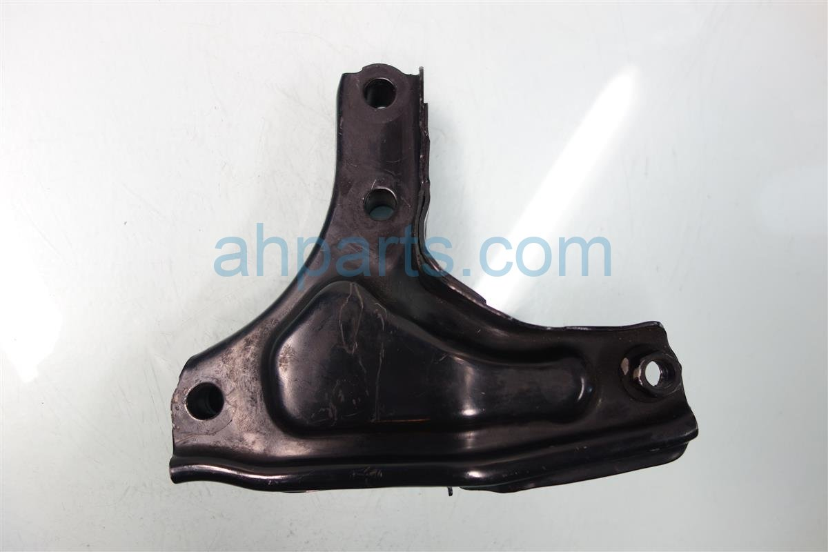 1996 Honda Civic Engine Motor mount REAR ENGINE BRACKET AT 50827 S04 000 50827S04000 Replacement