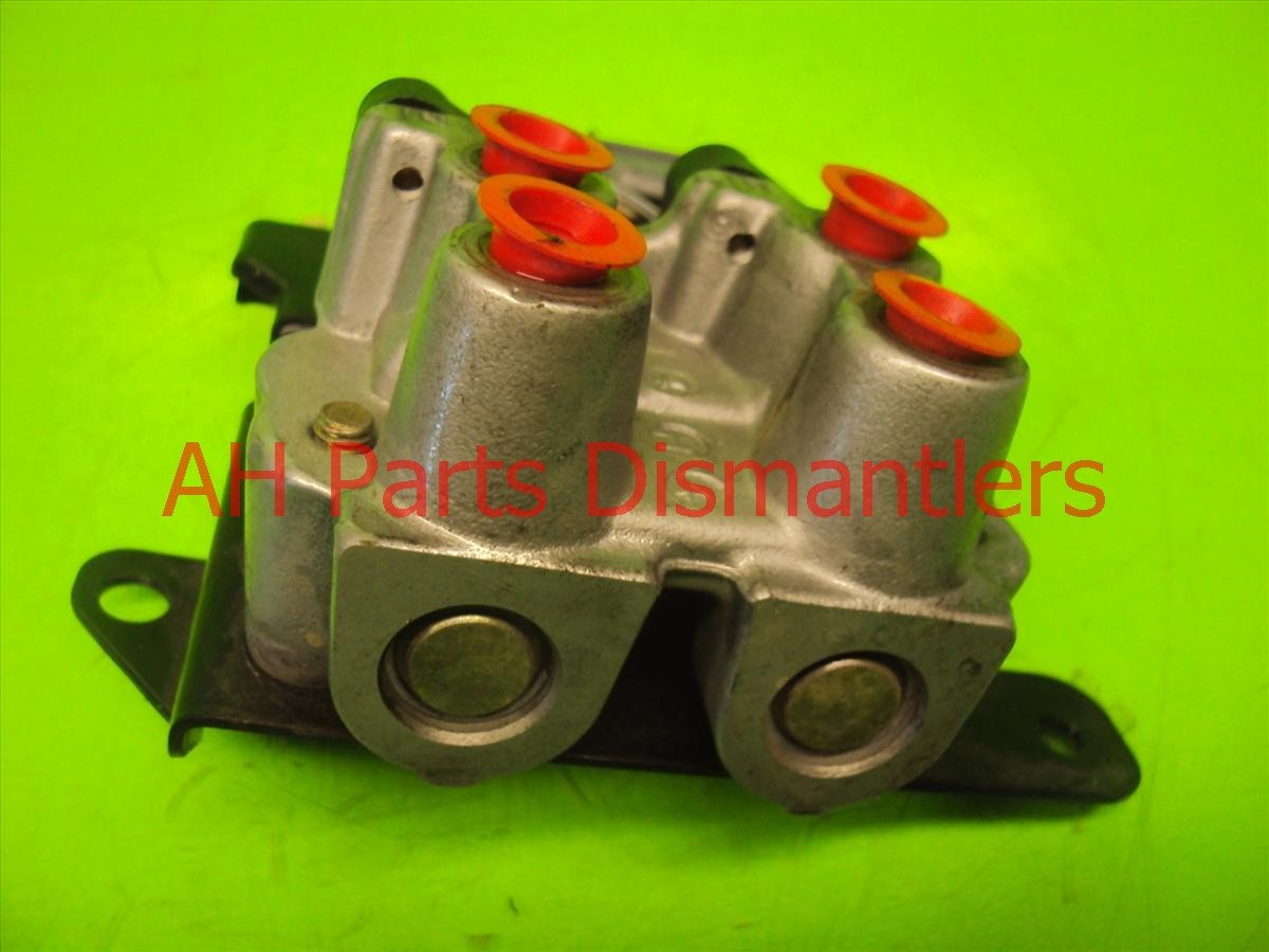 2004 Honda Civic Brake master cylinder CREEP AID SYSTEM VALVE ASSY 57610 S5 46100 S5D A51 46100S5DA51 Replacement
