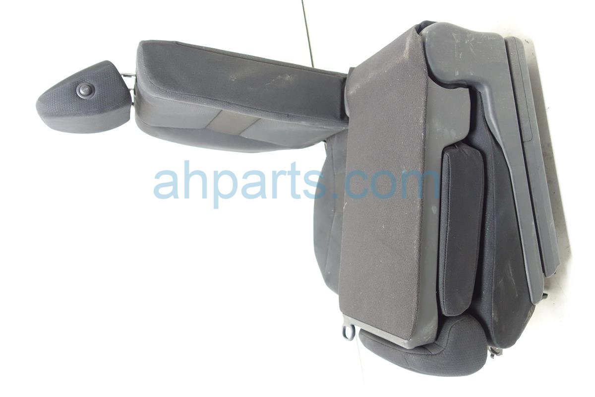 2011 Honda CR V Back (2nd Row) Rear Passenger Seat 82121 SYF A11ZA Replacement