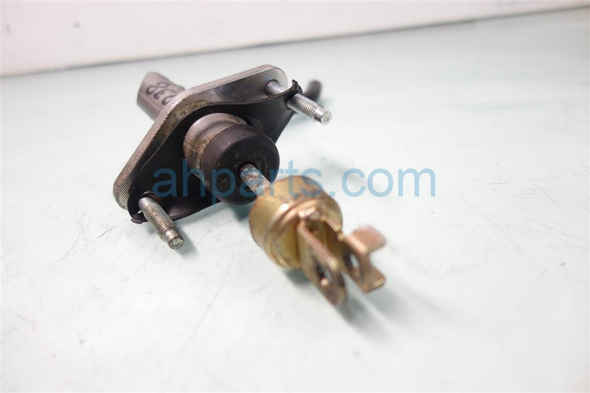 2000 Acura Integra Clutch Master Cylinder, No Reservoir Replacement