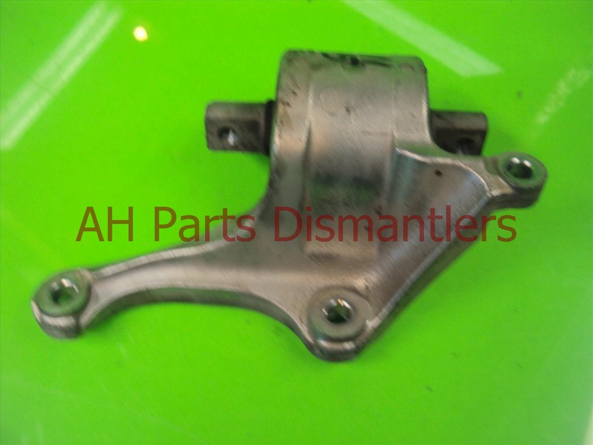 2005 Acura RL Control Arm Front Driver Lower Bracket 51362 SJA 010 Replacement