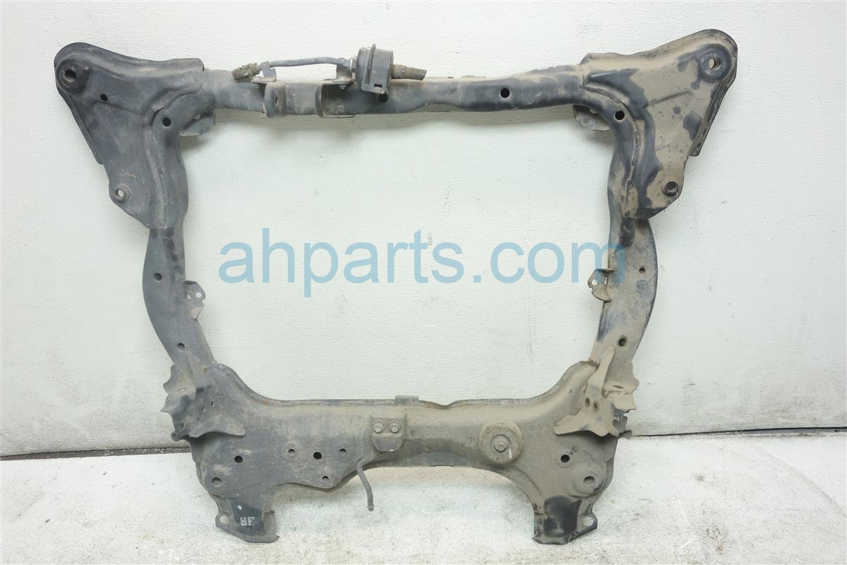 2005 Honda Civic Crossmember FRONT SUB FRAME 50200 S5B A04 50200S5BA04 Replacement
