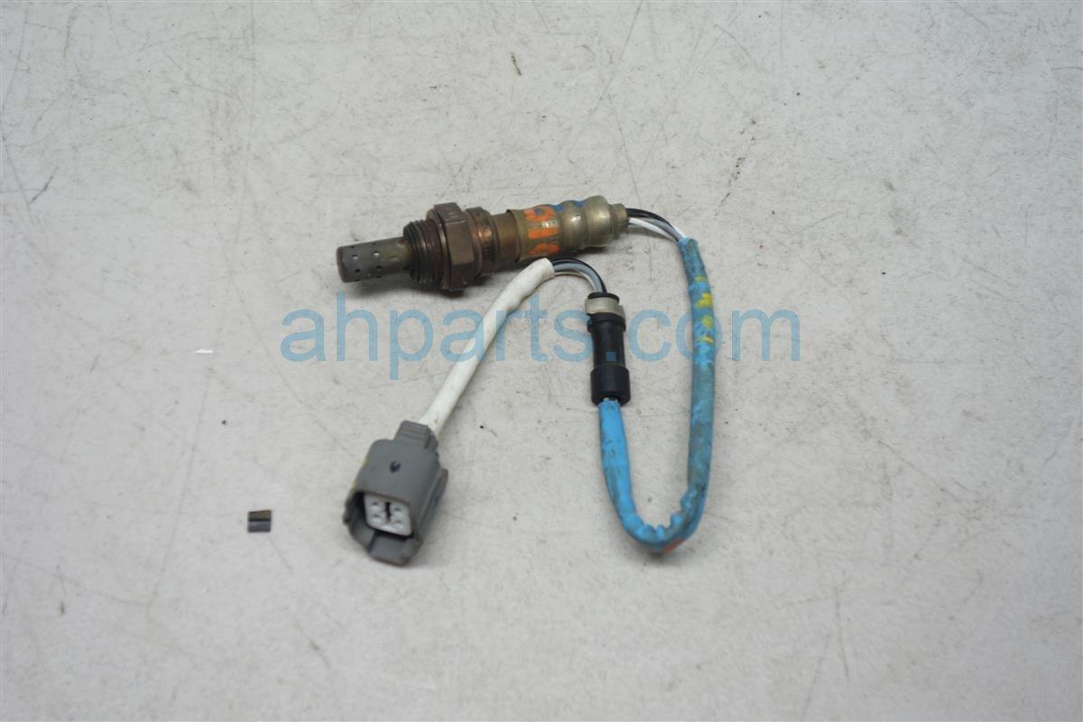 2004 Honda Civic Oxygen EX O2 SENSOR RR Replacement
