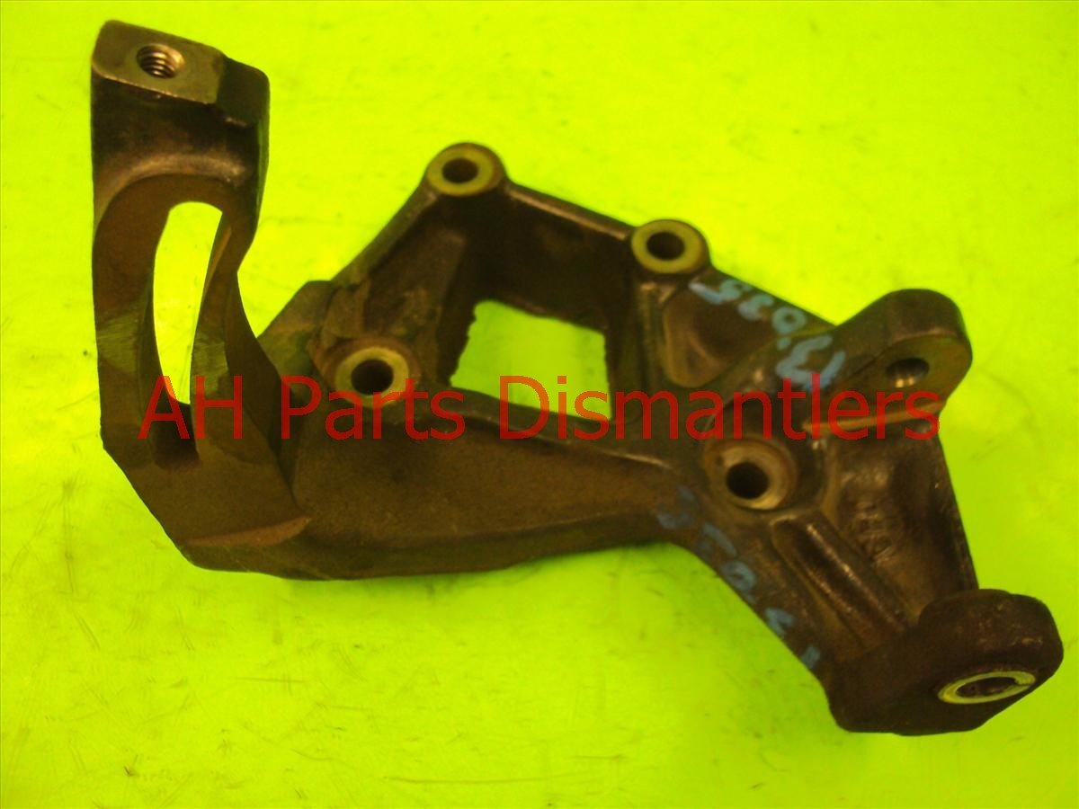 2000 Honda Prelude Engine Motor mount ALTERNATOR BRACKET 31112 P13 000 31112P13000 Replacement