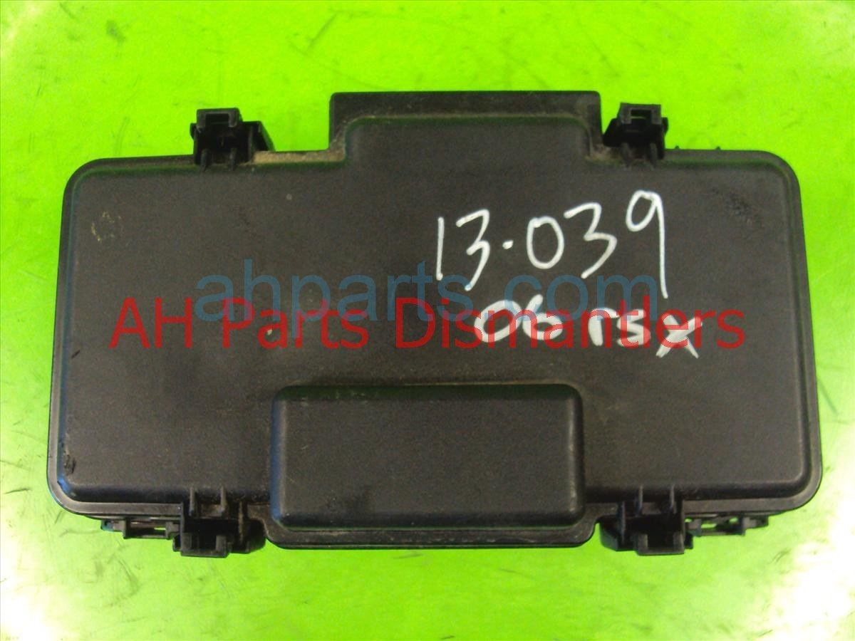 2005 Acura RSX Under Hood / Engine Fuse Box 38250 S6M A02 Replacement