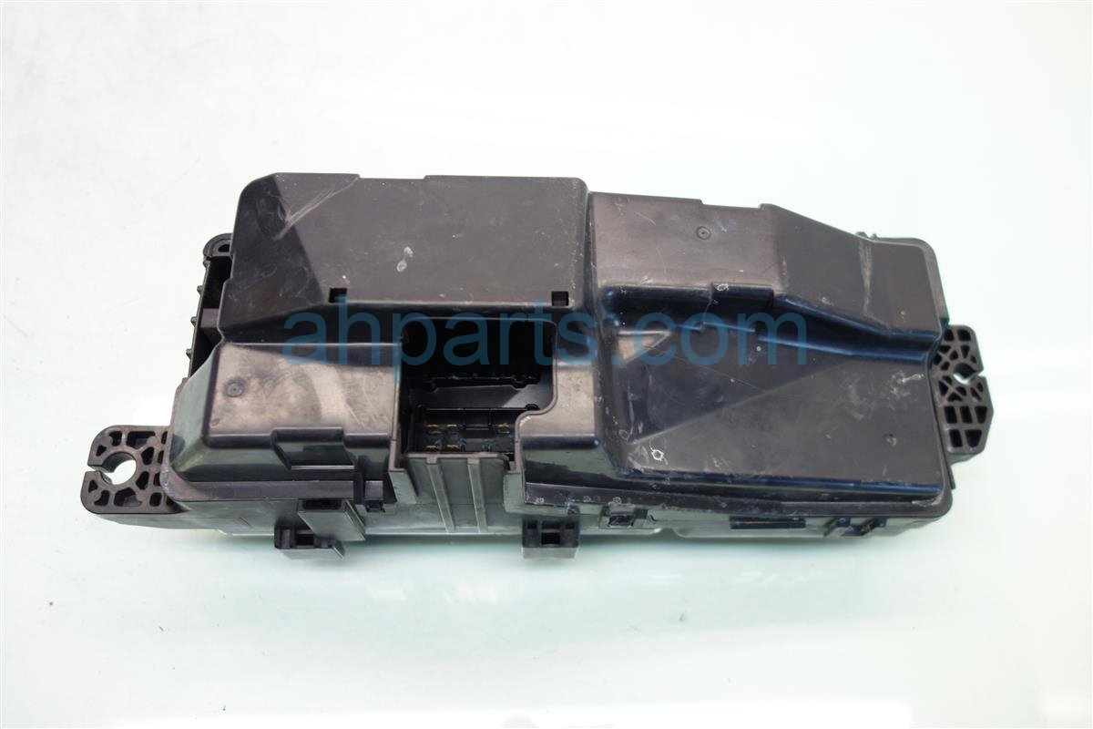 2006 Acura RL FUSE RELAY BOX 38250 SJA A01 38250SJAA01 Replacement