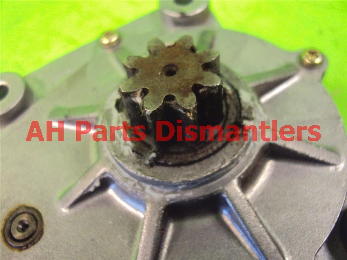 2002 Honda S2000 Passenger Sunroof Motor, Cracked Plug 86400 S2A 003 Replacement