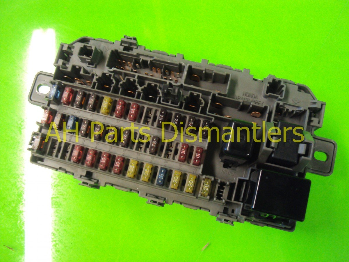 2000 Honda CR V DASH FUSE BOX 38200 S10 A01 38200S10A01 Replacement