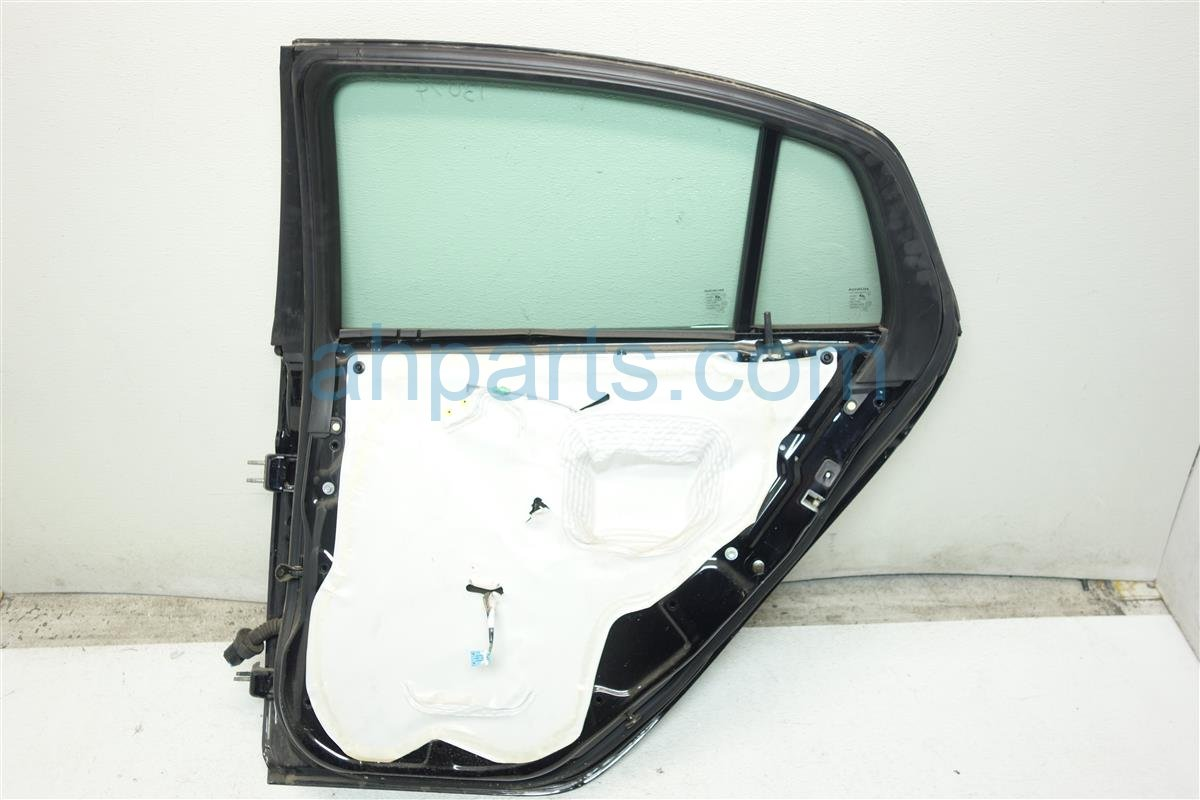 2006 Acura TL Rear passenger DOOR 3 dings Black 67510 SEP A90ZZ 67510SEPA90ZZ Replacement