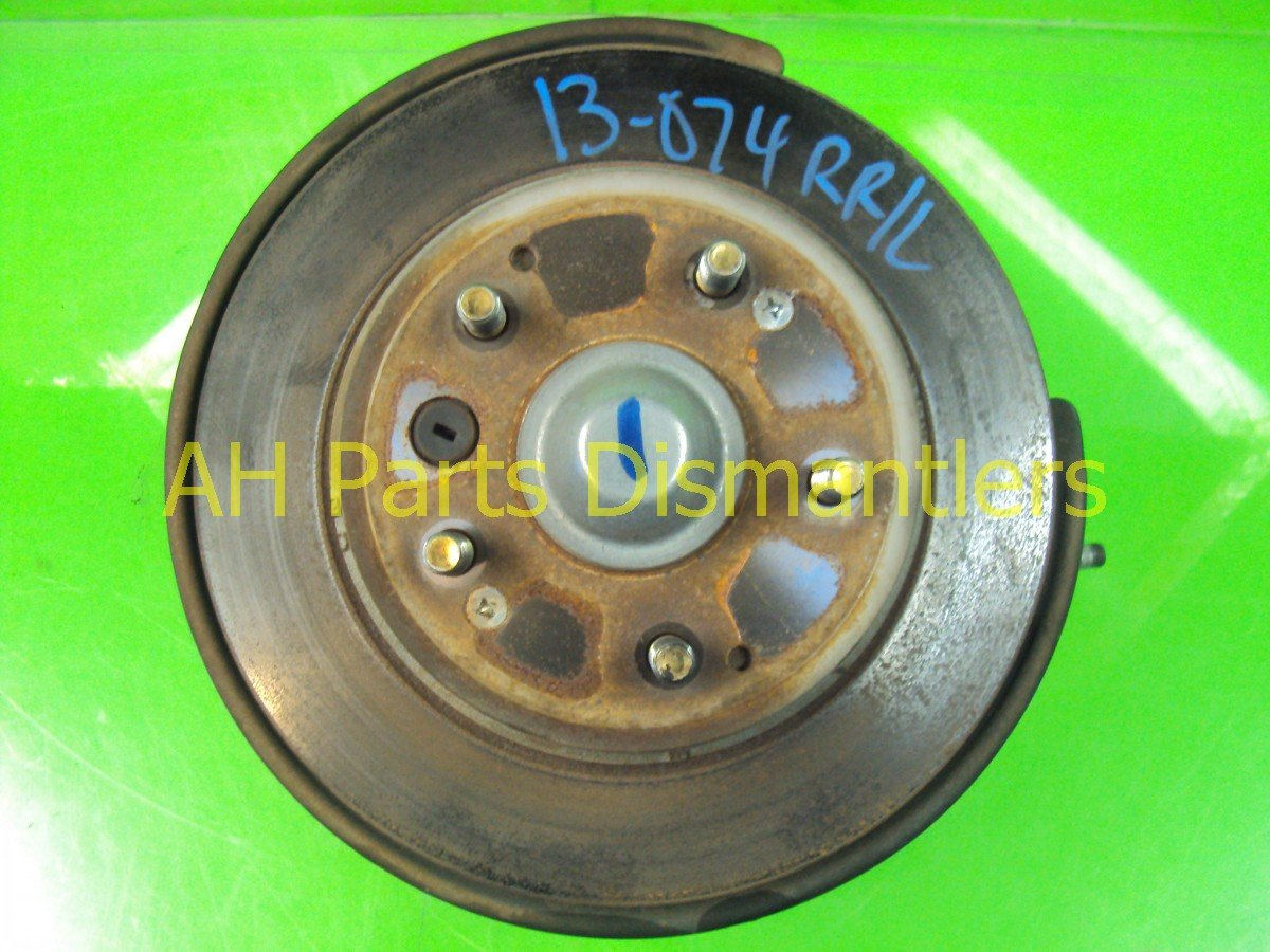 2006 Acura TL Axle Stub Rear Driver Spindle Knuckle 52215 SEP A10 Replacement