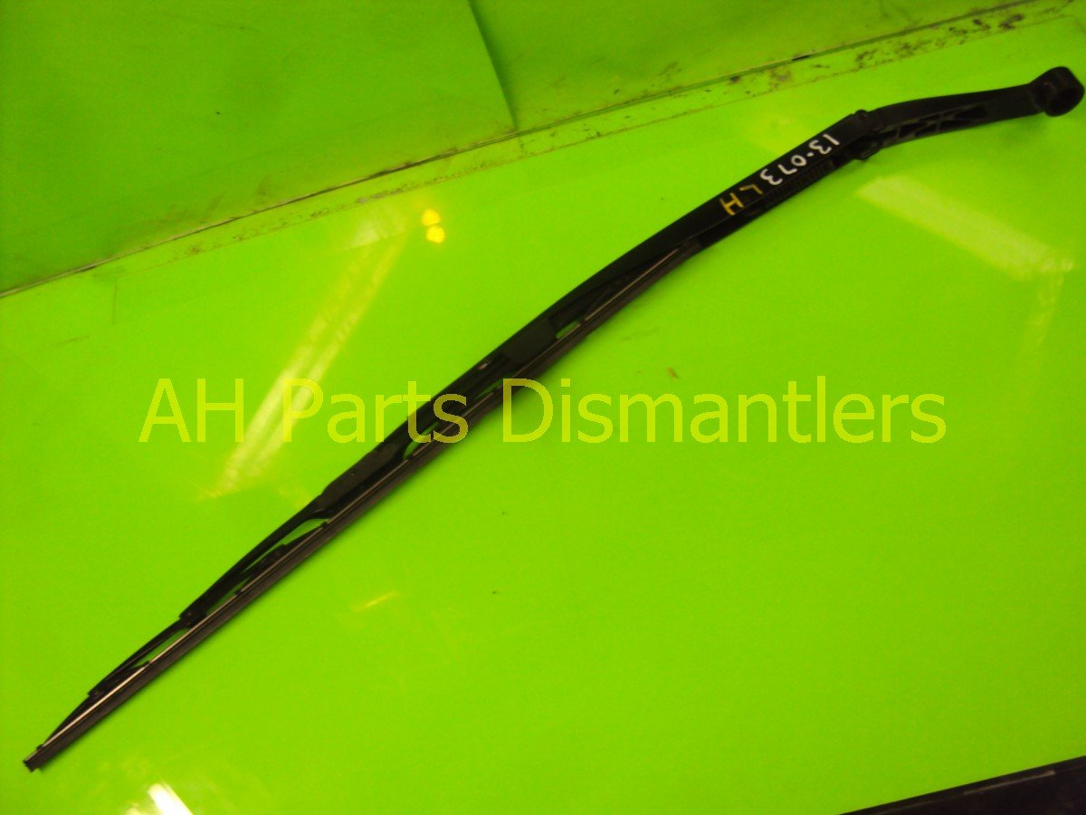 2011 Honda Odyssey Windshield Driver WIPER ARM minor scratches 76600 TK8 A01 76600TK8A01 Replacement