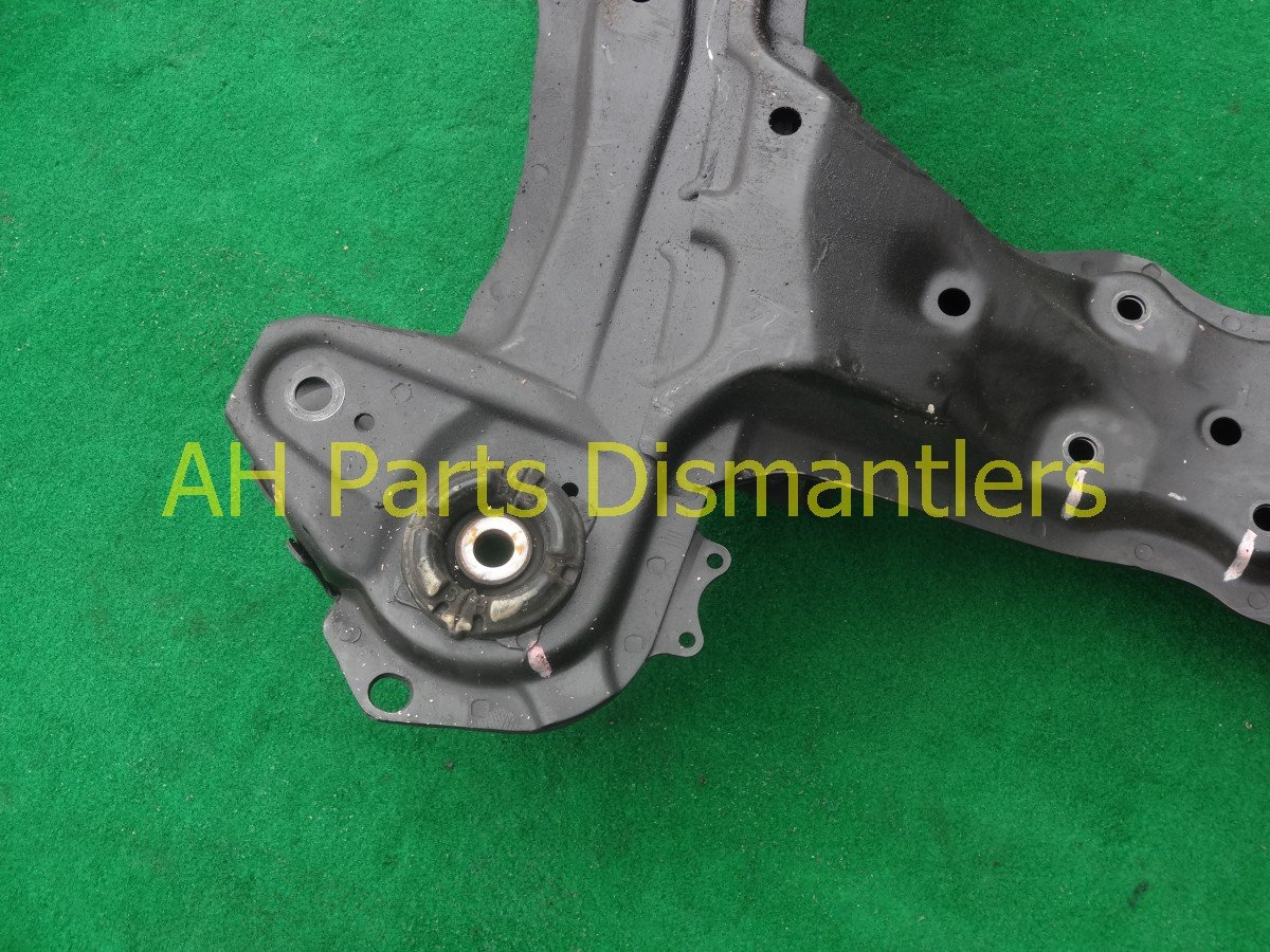 2005 Honda Odyssey Crossmember FRONT SUB FRAME CRADLE BEAM 50200 SHJ 305 50200SHJ305 Replacement