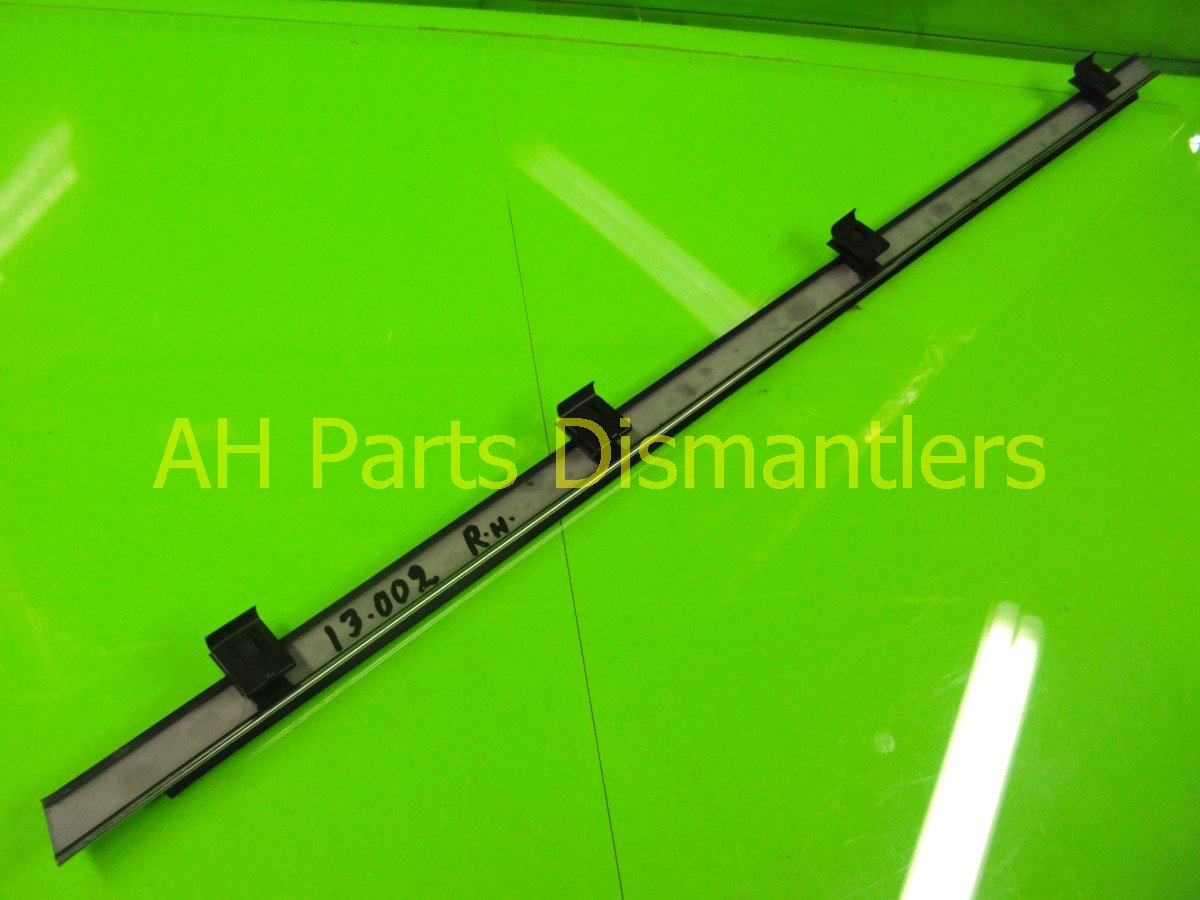 1991 Acura NSX Passenger DOOR WEATHERSTRIP 72335 SLY 003 72335SLY003 Replacement