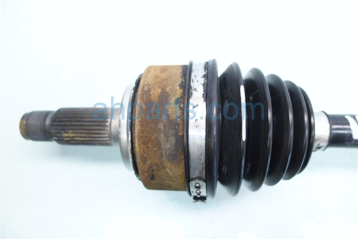 2005 Acura RL Driver Axle Shaft Replacement