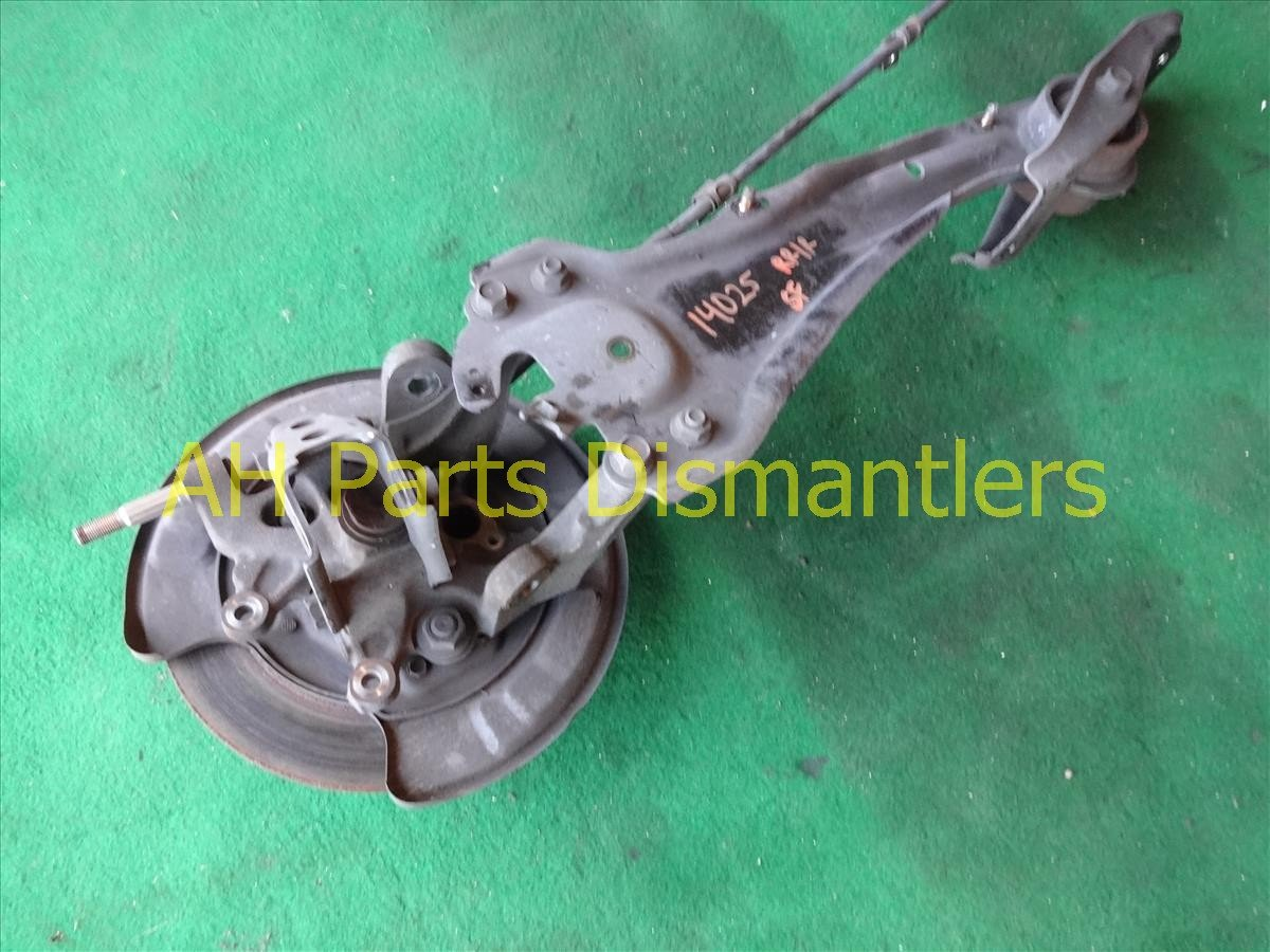 1998 Acura RL Axle stub Rear passenger SPINDLE KNUCKLE W TRAILING ARM Replacement