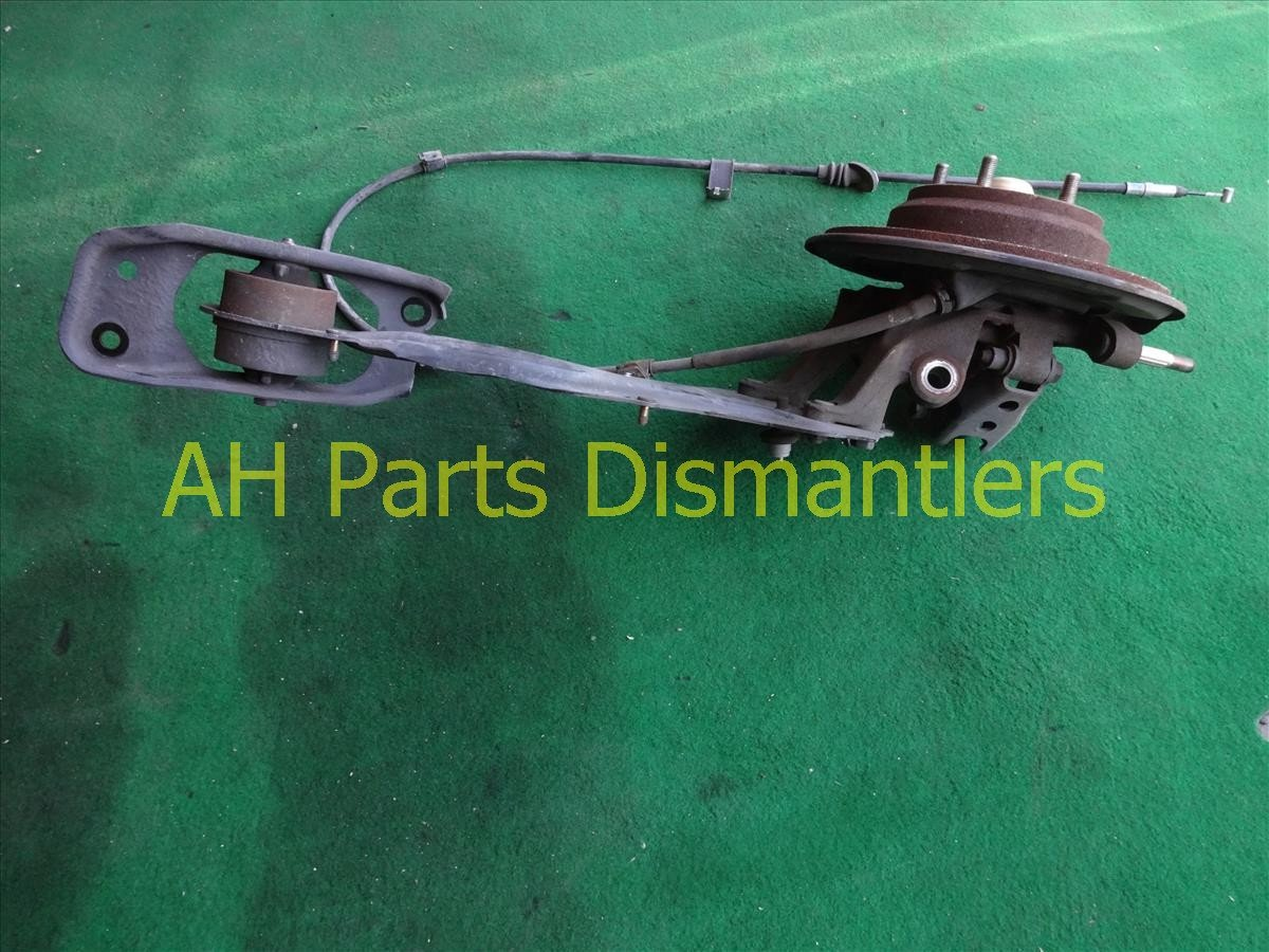1998 Acura RL Axle stub Rear driver SPINDLE KNUCKLE W TRAILING ARM Replacement