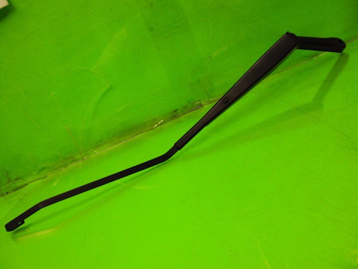 1999 Honda Prelude Windshield Passenger WIPER ARM small scuffs Replacement