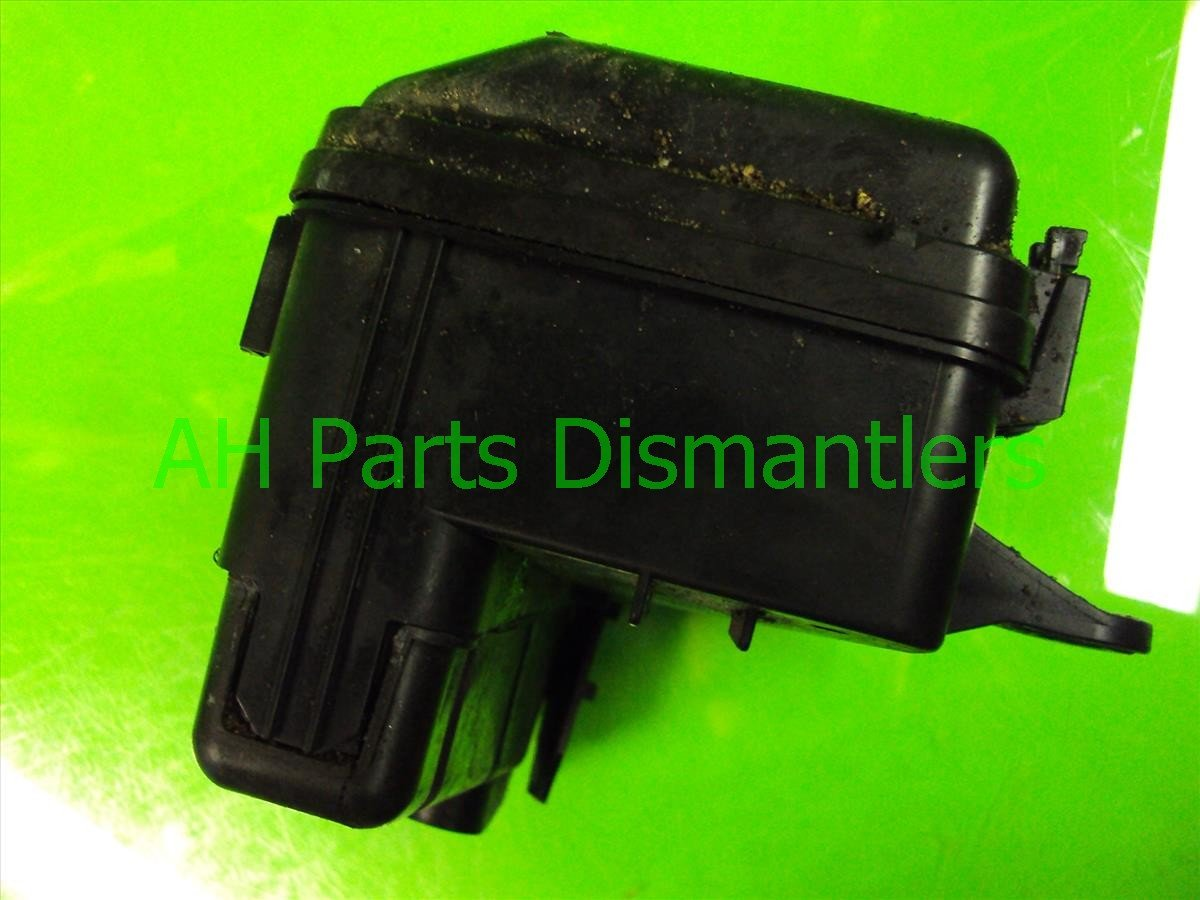 2002 Honda S2000 ENGINE FUSE RELAY BOX 38250 S2A A02 38250S2AA02 Replacement